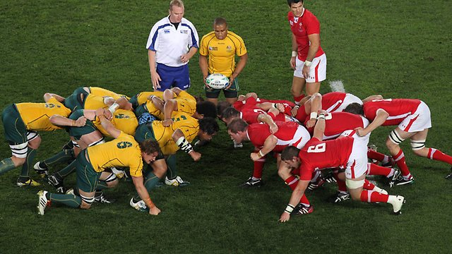 326341-wallabies-scrum